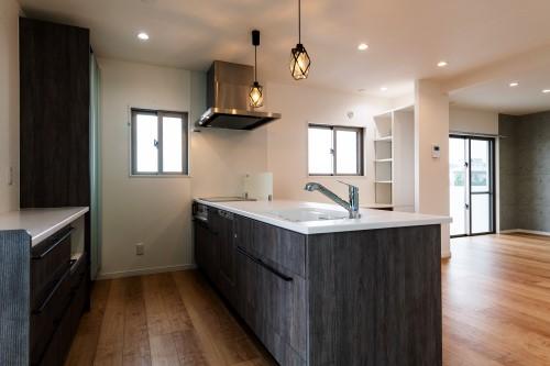 016 住宅キッチン01